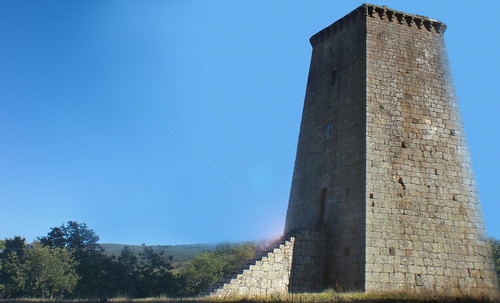 "Torres legendarias / Faros, minaretes, campanarios, rascacielos • <a style=""font-size:0.8em;"" href=""http://www.flickr.com/photos/30735181@N00/32493406366/"" target=""_blank"">View on Flickr</a>"