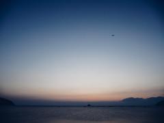 (t*tomorrow) Tags: panasonic lumix gx8 12100mm 夜明け 錦海湾 瀬戸内海 海