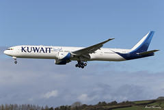 Kuwait Airways 777-300(ER) 9K-AOF (birrlad) Tags: shannon snn international airport ireland aircraft aviation airplane airplanes airline airliner airlines airways arrival arriving approach finals landing runway boeing b777 b773 777 777300er 777369er 9kaof kuwait kuwaiti ku117 jfk newyork
