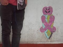 Abraz-o-lado (Imágenes falsas.) Tags: street city urban art mexico stencil jeans coyoacán estencil oldem