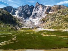 Vignemale (Manolo Moliner) Tags: walking pyrénées pirineos randonnée midipyrénées hautespyrénées vignemale petitvignemale pirineocentral pitoncarré hourquettedossue massifduvignemale pointechausenque