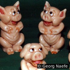 Schweinchen - Marzipanfiguren -  Georg Naefe (andibuh) Tags: food square piggy pig essen sweet modeling handmade sugar squareformat marzipan schwein confectionery schweinchen zucker konditorei konditor sweetart fooddesign modellieren marzipanfigur marzipanfiguren uploaded:by=instagram georgnaefe