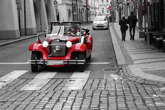 A classic red in Prague (Txulalai) Tags: praga praha prague car mercedes 500k rojo red travel urbana republicacheca chequia sony sonya6000 sonyilce6000 sonyalpha6000