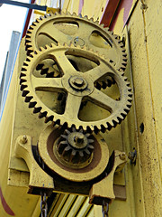 gears (kenjet) Tags: cog cogs gear gears yellow metal street working mission missionstreet missiondistrict sanfrancisco city
