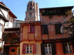 Albi - Tarn (Cherryl.B) Tags: albi tarn midipyrénées sud france tourisme maisons cathédrale stecécile colombages fenêtres façades briques volets
