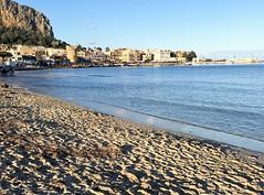 Mondello la spiaggia dei Palermitani (francescovinci58) Tags: palermo sicilia mondello spiaggia beach europa italia tusirsmo borgo mare mediterraneo