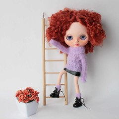 Aline (volnaaa) Tags: doll blythe sweater fashion lilac outfit me water
