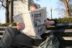 02.Newspaper.DupontCircle.WDC.30mar06