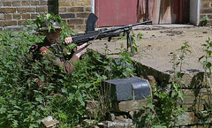 WW2 Essex Regiment Bren gunner (Whipper_snapper) Tags: ww2 essex gunpowder walthamabbey regiment brengun royalgunpowdermills essexregiment