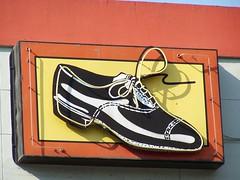 20080706 Neon Shoe