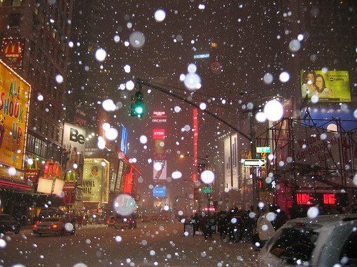 Merry Christmas: snow storm in Times Square