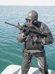 LAR5_WEAPON14.sized (frglee2) Tags: military rebreather frogmen