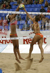 Joust (vamp8888) Tags: beach sand montreal 2006 volleyball caughtintheact avp mikasa jarry fivb