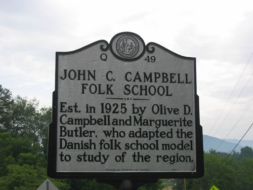 folk school sign