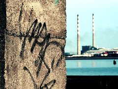 Poolbeg Powerstation (C) 2006