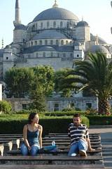 Frıends ın front of Blue Mosque (CharlesFred) Tags: summer turkey turkiye 2006 istanbul İstanbul turkije turquia bosphorus turchia