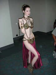 DSCN0081sm (Midus Unknown) Tags: star comic 2006 wars cosplayer 06 con cci leia slave