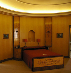 Art deco bedroom, Eltham Palace (Whipper_snapper) Tags: uk england london 1930s artdeco interiordesign elthampalace eltham englishheritage 123history