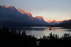 Wild Goose Island (Robby Edwards) Tags: vacation lake mountains water tag3 taggedout sunrise island nationalpark montana tag2 tag1 quality glacier glaciernationalpark payitforward goingtothesunroad saintmarylake wildgooseisland specland specnature abigfave