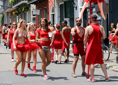 Red dress run pictures
