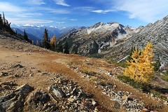 424B6742 (forrest.croce) Tags: mountains larches northcascades noca fall color larch