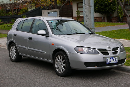2004 Nissan Pulsar (N16 S2 MY03) Q 5-door hatchback