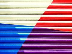 Comercial Mexicana de Pinturas S.A. de C.V. (Raul Jaso) Tags: color colour geometric triangles reja triangle gate colorful colore gates colores colori cancello cancelli geometria rejas colorido geometricas triangulo geométricas triangulos geometricfigures figurasgeometricas fz150 panasonicfzseries panasonicfz150 rauljaso rauljasofotografia rauljasophotography
