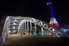 Eiffel Tower Blue White Red 16 © French Moments (French Moments) Tags: paris france frankreich eiffeltower toureiffel torreeiffel frankrijk eiffelturm francia parijs parigi trocadéro frenchmoments prayforparis