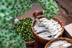Market  Prey Veng (Jules en Asie) Tags: street fish asian julien lemon asia cambodge cambodia cambodian khmer hand market asie prey poisson marché citron nationalgeographic asiatique veng reflectionsoflife lovelyphotos jules1405 cambodgien unseenasia earthasia mailler