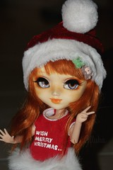 Merry Christmas everyone!! (Alluka Zoldyck) Tags: pullip pullips custo custom fc full fullcusto fullcustom merry christmas xmas merryxmas merrychristmas pere noel noël joyeux everyone aliénor alienor 70 carol uncanricky formydoll for doll hair wig red rousse rouquine vintage old picture 2016 cute sculpte handmade outfit japan alluka france make makeup face faceup coca cocacola cola santa claus santaclaus