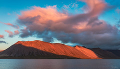 Solitude (Hilton Chen) Tags: westiceland snaefellsnespeninsula grundarfjordur alpenglow sunset fjord mountain lonefarmhouse colorfulclouds