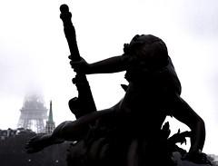 2016-12-23 (Giåm) Tags: paris pontalexandreiii eiffel toureiffel eiffeltower eiffeltårnet eiffeltornet eiffelturm iledefrance france frankreich frankrike frankrig giåm guillaumebavière