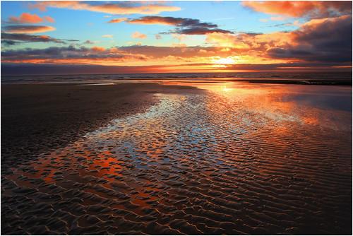 Ripples in the Sand, Sker Beach, Porthcawl / Crychdonnau yn y tywod, Traeth y Sger, Porthcawl