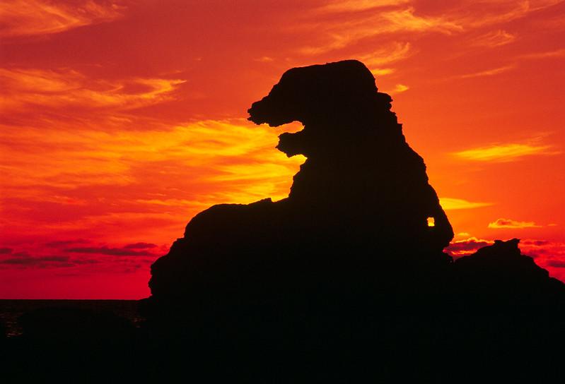 Godzilla岩