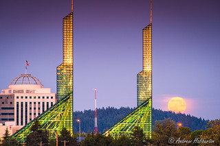 Blue Moon rises over the Oregon Convention Center