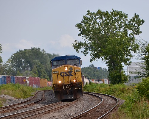 CN 327 at the s-curve
