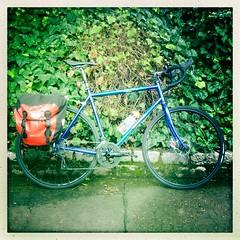 Princes Street Gardens, bike stop (billyrosendale) Tags: summer bike bicycle cycling scotland edinburgh princesstreetgardens princesstreet x biking planet themound latesummer kaffenback