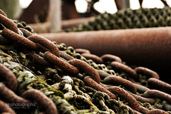 What a mess (lg-photographic) Tags: old sea color colors germany dark deutschland boot see harbor boat chains nikon factory outdoor alt edited fabrik north rope chain ropes hafen farbe nordsee dunkel farben kette kutter seil shrimper bearbeitet ketten shirmp seile krabbenkutter drausen d5200
