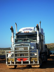 White Western Star Australia (smokey pipes) Tags: white truck semi lorry oil artic oilfield roadtrain semitractor westernstar heavyhaulage