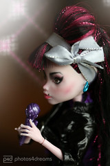 there's always this air of sadness around her (photos4dreams) Tags: amywonstagep4d fromdraculauratoamywp4d fromdraculauratolaurettap4d photos4dreams p4d photos4dreamz draculaura varmpirella vampyr teenie barbie doll dolly fangs vampire style fashion fashionneverdies toy toys puppe spielzeug handmade custom custommade painted selbstbemalt bemalt handpainted püppchen ooak oneofakind design thisismydesign monsterhigh mattel amywinehouse london norehab repaint dollmakeupartist upgrade dolldesigner diy