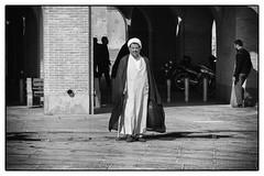 Mullah (toletoletole (www.levold.de/photosphere)) Tags: street portrait bw fuji iran porträt sw priest esfahan mullah isfahan priester xt1 fujixt1