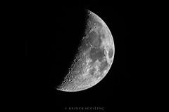 Mond (7 Tage alt) (r.steiling) Tags: omdem1 300mm stack mond moon mft olympus m75300mm f4867 ii f67 1400sec iso320