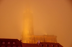 Where are you? (Strasbourg cathedral) (armxesde) Tags: pentax ricoh k3 france frankreich strasburg strasbourg cathedral münster notredame liebfrauenmünster night nacht nebel fog mist golden tower turm elsass alsace kirche church