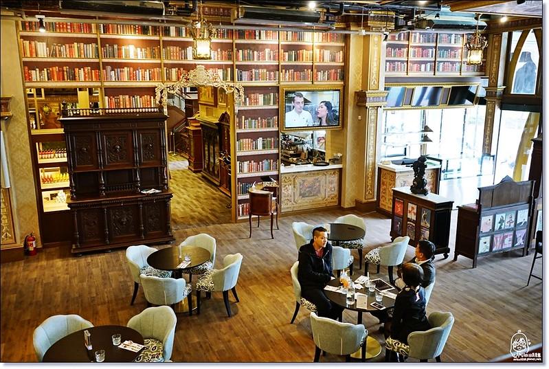 32399719491 2d15a6e914 c - 『熱血採訪』台中東區 CUCLOS Cafe & Kitchen 馥樂詩輕食餐廳/新天地西洋博物館-一起走入文藝復興時期的古典歐洲之旅,造訪台中最美麗古典優雅的圖書館餐廳