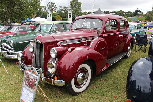 1940 Packard 1801 120 Club Sedan