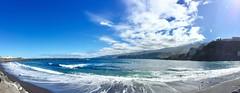 """""""Mar y montaña"""" (atempviatja) Tags: tenerife puertodelacruz luz aire cielo montaña mar"""