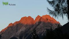 Zugspitze afternoon pic (SpeedyRS) Tags: panorama mountain holiday berg weather canon landscape eos austria tirol sterreich nice sonnenuntergang view urlaub great roadtrip dmmerung landschaft wetter f40 vollmond zugspitze 24105 rotlicht vorarlberg 24105mm 70d 2962m bergstrase uralp