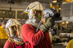150921-N-HP061-006 (SurfaceWarriors) Tags: navy calif marines arg essex ussessex westpac westernpacific 15thmeu lhd2 ussessexlhd2 essexamphibiousreadygroup cpr3 donavankpatubo