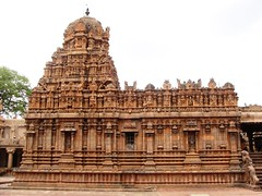 The Big Temple (6): Shrine dedicated to God Murugan (v s raam (on/off)) Tags: india tower architecture unescoworldheritagesite gigantic thanjavur lingam tamilnadu murugan shikara sikhara chola karthikeyan valli tanjore muruga bigtemple lordshiva vimanam shikhara devani sanctorum lordsiva rajarajachola vimana mahalingam karthikeya periyakovil thanjai santum sikara brihadeeswarartemple tanjai rajarajacholai rajarajeswaram greatlivingcholatemples peruvudaiyarkovil garbhagriha rajarajeshwaratemple daivani tanchai thanchai