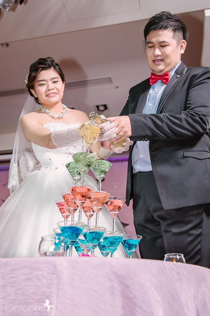 《婚攝加菲》鴻振 & 靜文 / 台中兆品酒店